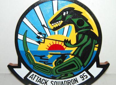 VA-95 Green Lizard Plaque