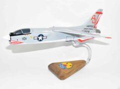 VF-111 Sundowners F-8 (1970) Model