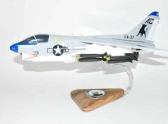 VA-37 Ragin' Bulls A-7e (1980) Model