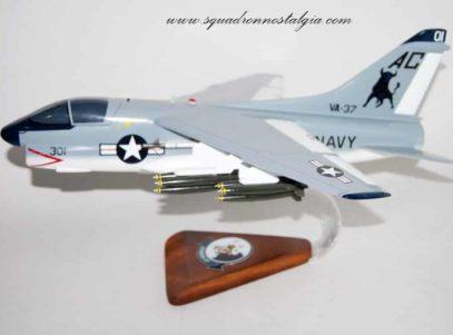 VA-37 Ragin Bulls A-7e Model