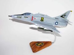 VA-212 Rampant Raiders A-4F (1974) Model
