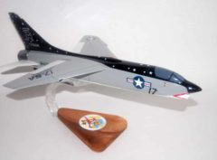VMF-321 Hell's Angels F-8 (1972) Model WIP
