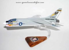 VF-24 Fighting Renegades F-8 Model