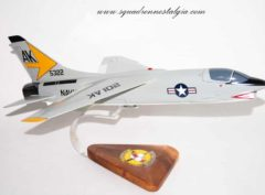 VF-103 Sluggers F-8 Crusader (1959) Model