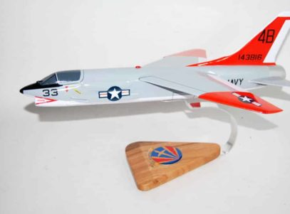 VT-86 Sabrehawks F-8 Crusader Model