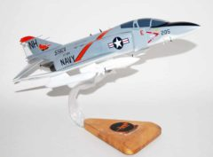 VF-114 Aardvarks F-4J Model