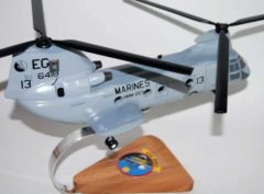 HMM-263 Thunder Chickens CH-46 Model