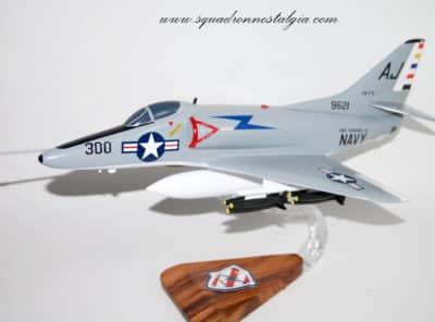 VA-172 Blue Bolts A-4C (1970) Model
