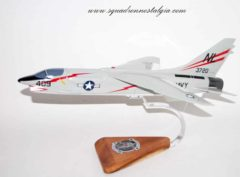 VF-154 Black Knights F-8 Crusader (1958) Model