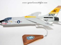 VF-32 Fighting Swordsmen F-8 (1962) Model