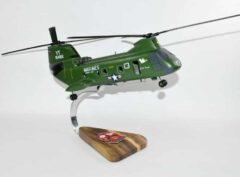 HMM-164 Knightriders CH-46 (1972) Model