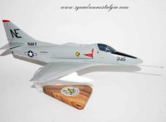 VA-23 Black Knights A-4e (1965) Model
