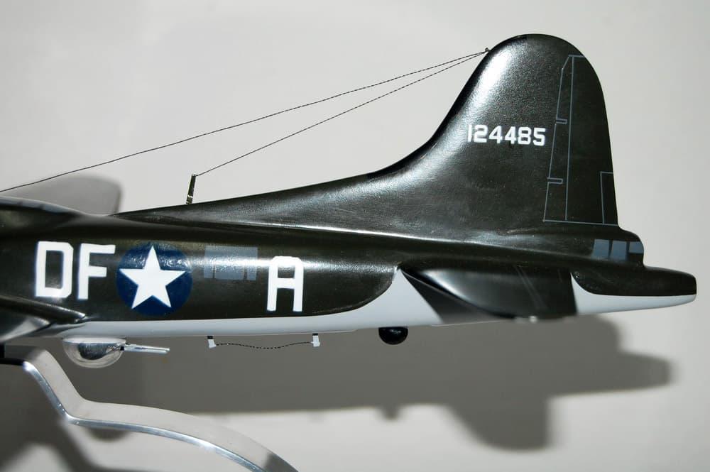 324th Bomb Squadron 'Memphis Belle' B-17 Model