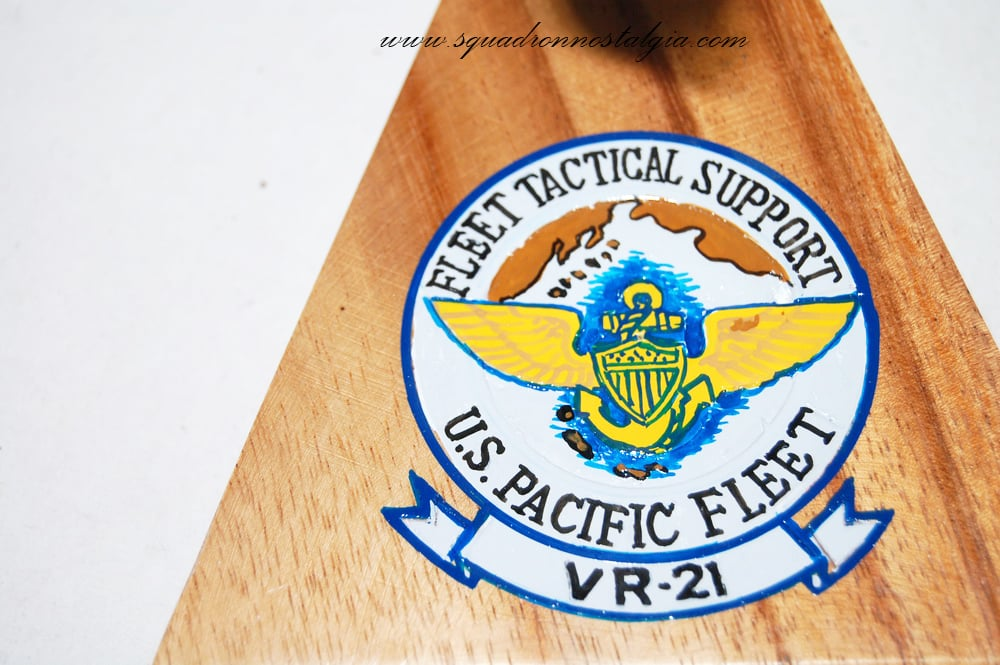 VR-21 Fleet Tactical Support Pineapple Airlines C-118 (424 ...
