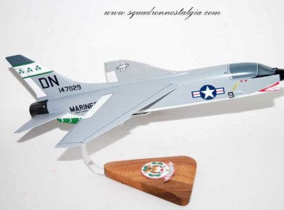VMFA-333 Fighting Shamrocks F-8 Model