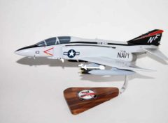 VF-161 Chargers F-4J (USS Midway) Model