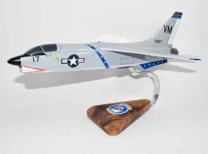 VMF(AW)-451 Warlords F-8D (1963) Model