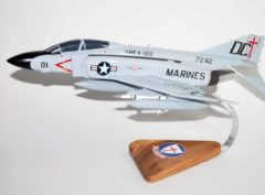 VMFA-122 Crusaders F-4j Model