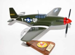 334th Fighter Squadron, 4th Fighter Group (1944) P-51B Mustang Model