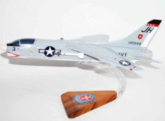 VU-10 Proud Pelicans (1965) F-8 Crusader Model