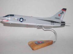 VU-10 Proud Pelicans (1965) F-8 Crusader Model