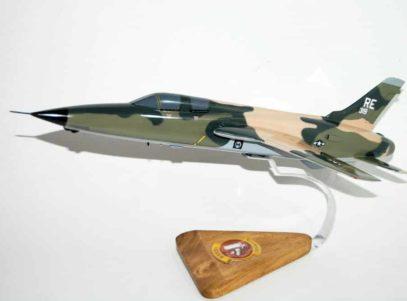 Wild Weasel Squadron F-105F Thunderchief Model
