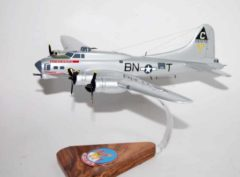 359th Bomb Squadron, 303rd Bomb Group 'Duchess' Daughter' B-17G Model