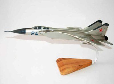 Mikoyan-Gurevich MiG-25 (24) Model