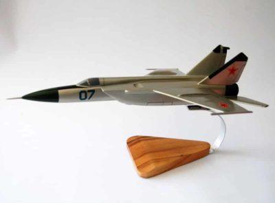 Mikoyan-Gurevich MiG-25 (07) Model