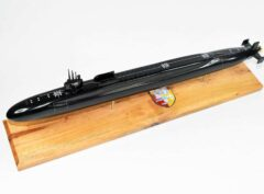 SSGN-728 USS Florida Submarine Model (Black Hull)