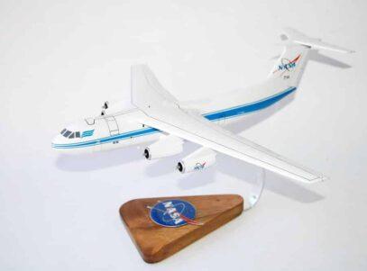 NASA C-141 Starlifter Model